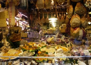 Negozio alimentare- Via Pescherie vecchie 22-10-12- (1)