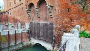 canale-reno-bologna-wellness-delle-acque-la-grada-700x400