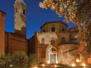 Basilica_di_San_Vitale_-_notturno_-_FOTO_ARCHIVIO_COMUNE_DI_RAVENNA_Nicola_Strocchi