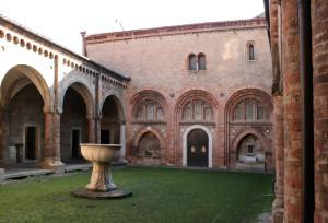 Sancta_Jerusalem_di_Bologna._Prima_Chiesa,_SS._Trinità_sul_Cortile_di_Pilato._-_panoramio